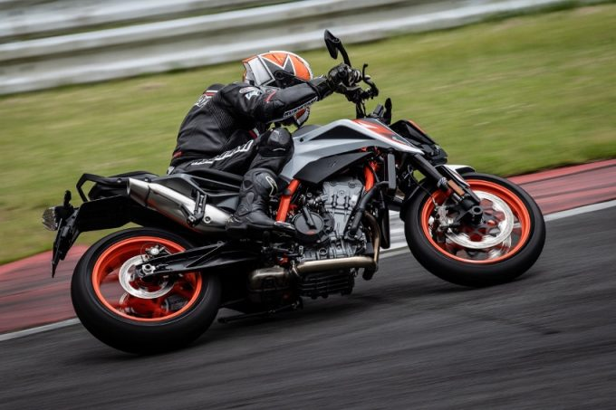 KTM 890DUKE R Test Ride Review: Everything About the Ride is Radically Advanced, Yet Surprisingly Easy to Ride!